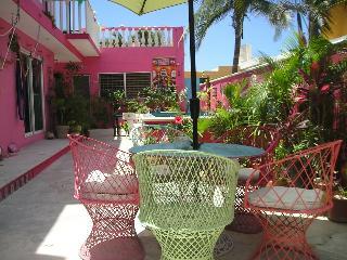 Casa Rosa. Beach Front GARDEN ROOM, Chelem, - Chelem vacation rentals