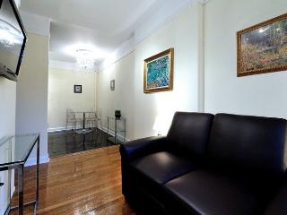 CENTRAL PARK 2 BEDROOM BEAUTY!! - New York City vacation rentals
