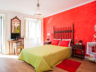 Alfama Vintage I Apartment by RE - Lisbon vacation rentals