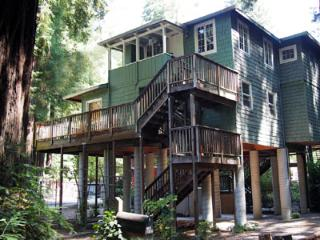 Cozy Monte Rio vacation House with Deck - Monte Rio vacation rentals