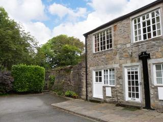 RIVERSIDE FLAT, first floor apartment, off road parking, garden, in Malham, Ref 904271 - Yorkshire Dales National Park vacation rentals
