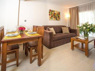 Résidence Ona Jardines Paraisol - Salou vacation rentals