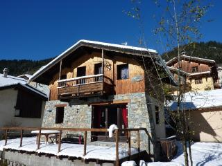 2 bedroom Ski chalet with Internet Access in Champagny-en-Vanoise - Champagny-en-Vanoise vacation rentals