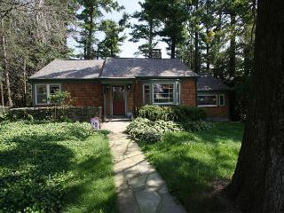 Cain Family Cottage a picture perfect cottage, minutes from downtown - Blowing Rock vacation rentals