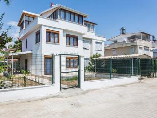 3 bedroom Villa with Internet Access in Bogazkent - Bogazkent vacation rentals