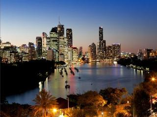 Brisbane Penthouse Apartment Kangaroo Point - Brisbane vacation rentals