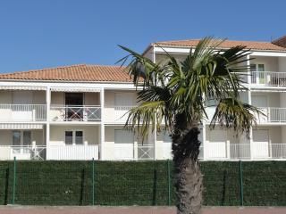 Flat by the beach! - Vaux-sur-Mer vacation rentals