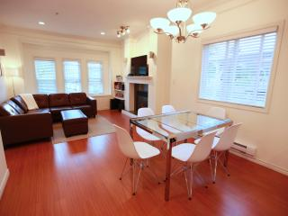New! Lovely, Modern 3 Bdr Suite on Beautiful Park - Vancouver vacation rentals