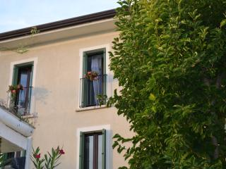 Bright 2 bedroom Bed and Breakfast in Mantova with Internet Access - Mantova vacation rentals