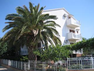Holiday apartment Vukicevic, for 4 with sea view - Biograd na Moru vacation rentals