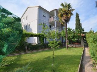 Beautifull apartment Jovic 2 min from the beach - Icici vacation rentals
