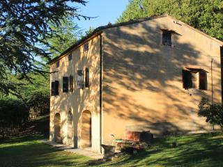 Cozy 3 bedroom Villa in Montieri with Outdoor Dining Area - Montieri vacation rentals