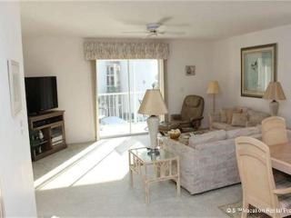 Royal Pelican 381, Canal View, Elevator, 2 Heated Pools - Fort Myers Beach vacation rentals