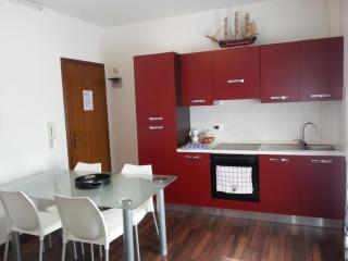 Romantic 1 bedroom Apartment in Vittorio Veneto with Internet Access - Vittorio Veneto vacation rentals