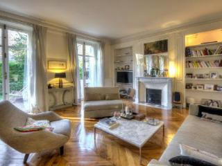 Jardin de Wagram Paris, France - Levallois-Perret vacation rentals
