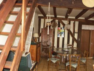 Bright 2 bedroom Vacation Rental in Dordogne Region - Dordogne Region vacation rentals