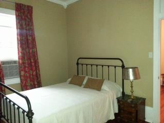 Nice Condo with Internet Access and Dishwasher - New Orleans vacation rentals