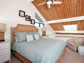 Unit 34 Ocean Front Prime Luxury 2 Bedroom - Lahaina vacation rentals