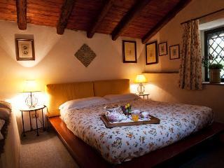 Etna Casetta nella Corte del Barone - Mascalucia vacation rentals