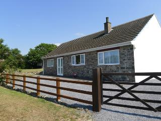 Bright 3 bedroom House in Trefin - Trefin vacation rentals