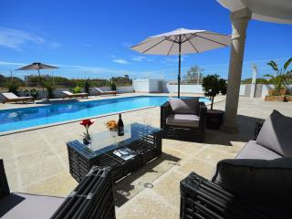 Villa Maria - Olhos de Agua vacation rentals
