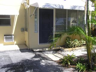 Great location in paradise 2 bedroom 1bath - Fort Lauderdale vacation rentals