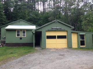 2 bedroom House with Deck in Warrensburg - Warrensburg vacation rentals