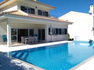 Lovely Villa & Pool Beautiful View Nr Sesimbra - Sesimbra vacation rentals