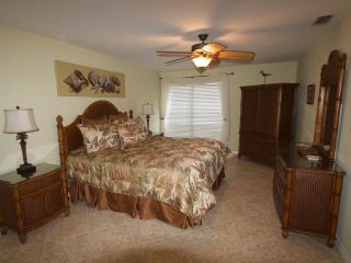 Updated 2/2 beachy luxury at Bowman's Beach - Sanibel Island vacation rentals