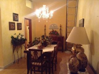 Sea view 100 m2 apartment in historic center - Scalea vacation rentals