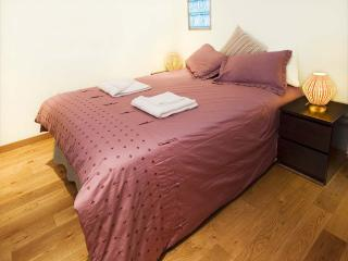 Perfect 1 bedroom Gibraltar Apartment with Internet Access - Gibraltar vacation rentals