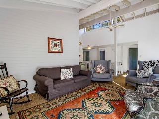 Gorgeous House with Deck and Television - Terrigal vacation rentals