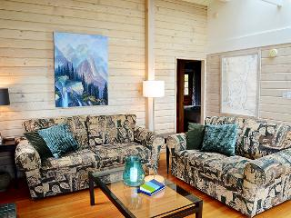 Beach Access~Expansive Ocean Views~sleeps 6~Comfy - Bowen Island vacation rentals