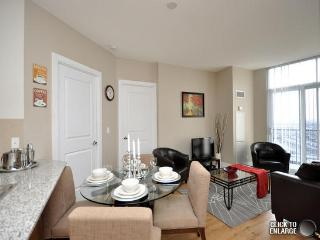 Luxury two bedroom apartment with equipped kitchen - Mississauga vacation rentals