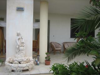 Cozy 3 bedroom Torre Santa Sabina Apartment with A/C - Torre Santa Sabina vacation rentals