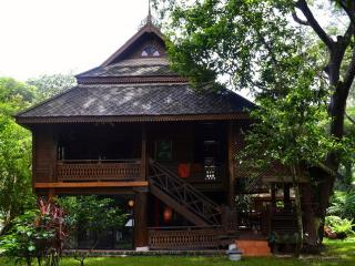 Nice House with Deck and Internet Access - Chang Khlan vacation rentals