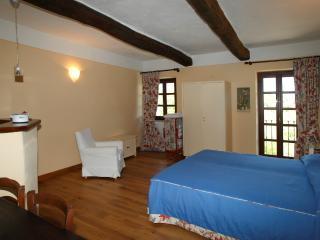 Castello di Grillano - Guest House - Colchico - Ovada vacation rentals