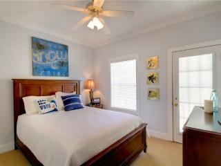 LIVING IT UP 12B - Pensacola vacation rentals