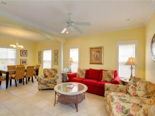 2 bedroom House with Internet Access in Pensacola - Pensacola vacation rentals
