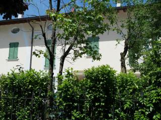 Cozy 2 bedroom Apartment in Brescia - Brescia vacation rentals