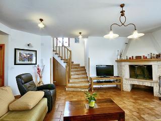 Lovely 3 bedroom Vacation Rental in Mofardini - Mofardini vacation rentals