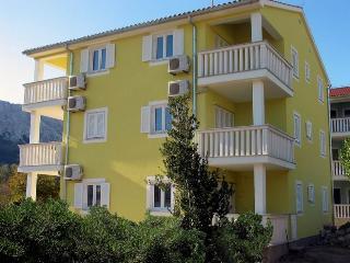 CRNEKOVIC FRANKOPANSKA(127-270) - Draga Bascanska vacation rentals