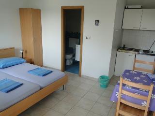 MOJCA(1305-3197) - Rogoznica vacation rentals