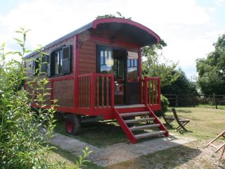 Romantic Gypsy Caravan nearby Thatched Stud Farm - Eure vacation rentals