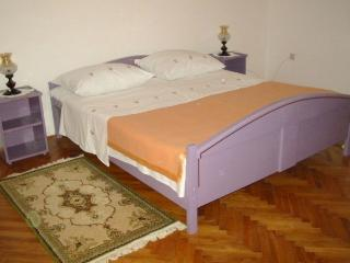 Bernardica(1333-3930) - Mandre vacation rentals