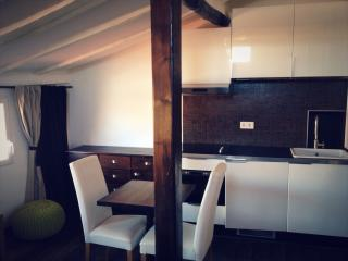 Cosy Studio in Nice Old Town 2min to the sea - Nice vacation rentals