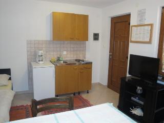 MIRKO D.(155-3623) - Draga Bascanska vacation rentals