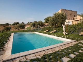Villa Scicli holiday vacation large villa rental italy, sicily, scicli, pool, WiFi, short term long term large villa to rent to  - Sampieri vacation rentals