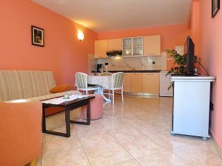 Bright 1 bedroom House in Porec - Porec vacation rentals