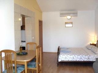 Sunny apartments Lada(1826-5105) - Soline vacation rentals